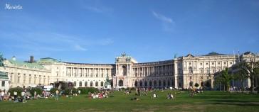 Fachada del Hofburg en la Heldenplatz (Plaza de los Héroes)