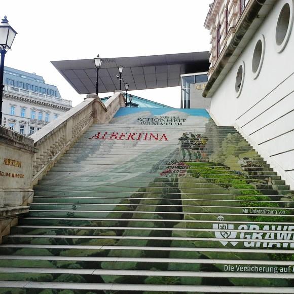 Las escaleras decoradas del Albertina