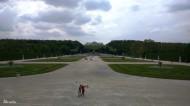 Al fondo la Glorieta del Palacio