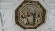 Detalle de uno de los mosaicos del techo de la estación de Belorusskaya